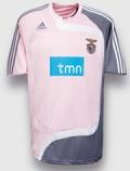 Benfica equipamento cor de rosa